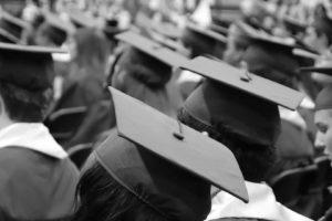 Chapeau de remise de diplômes